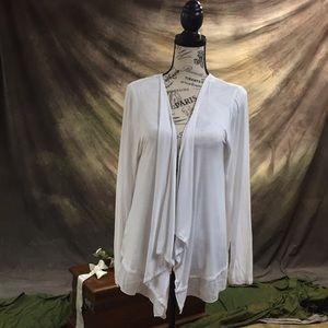 White cardigan. SIZE: L.